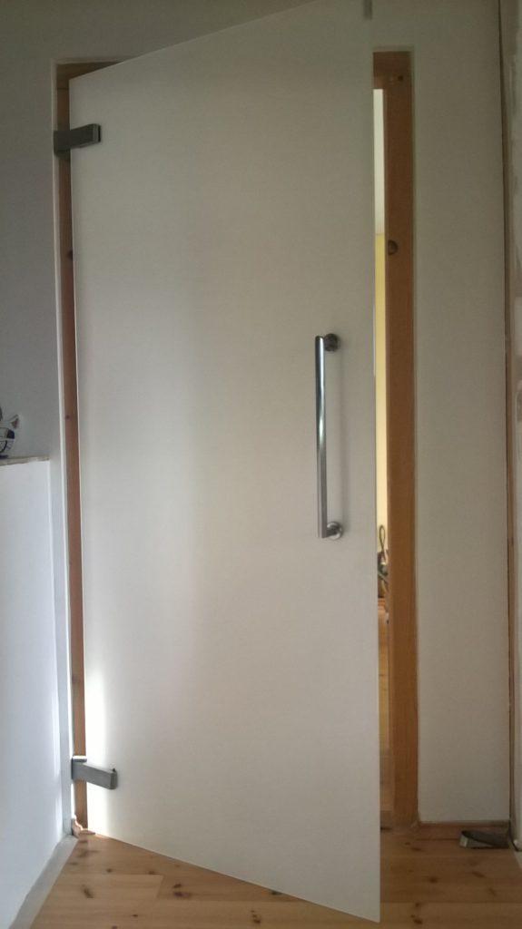 Dveře celoskleněné typ 935